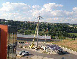 Erneuerbare Energien - HEA Hybrid-Energieanlage aus Photovoltaik und Kleinwindenergie